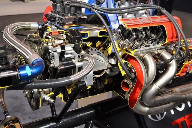 závodní auto motor