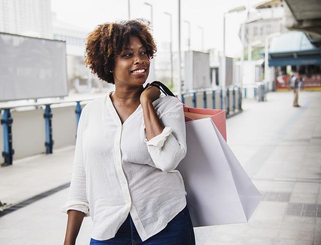 afričanka po nákupech.jpg