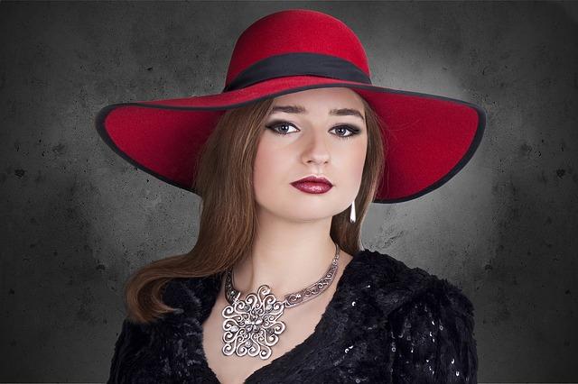 červený klobouk