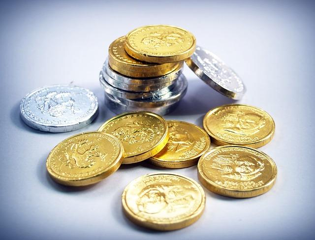stříbrné a zlaté mince