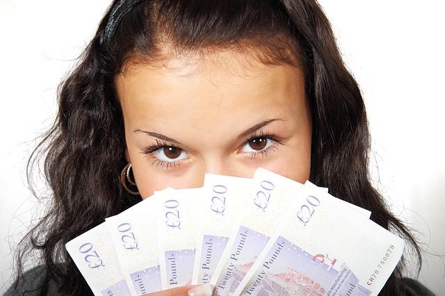obličej za bankovkami